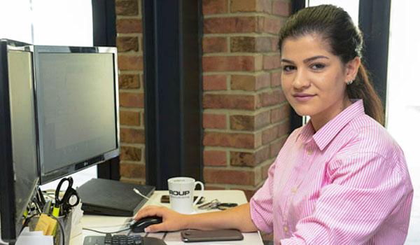 Maryam Habib, Auszubildende Fachinformatikerin für Systemintegration im Porträt