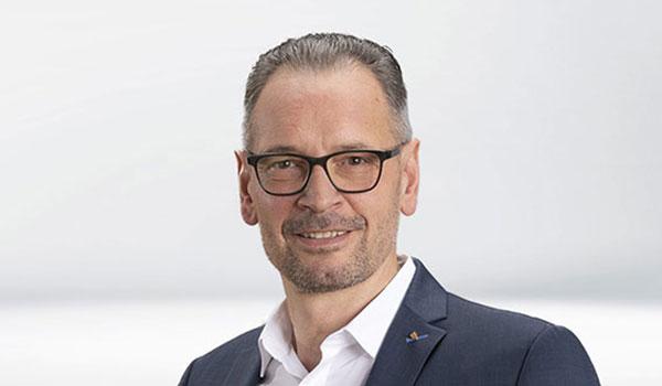 Dirk Peters, Vorstand des IT-Dienstleisters DATAGROUP