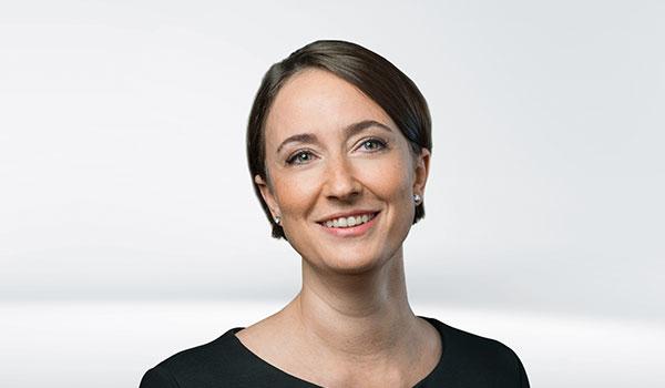 Eva Schulz, Management DATAGROUP