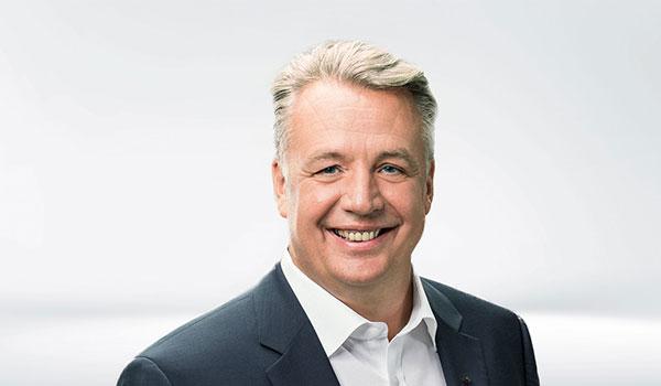 Martin Völker, Management DATAGROUP