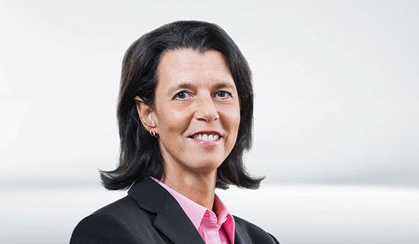 Sandra Kiemens, Management DATAGROUP