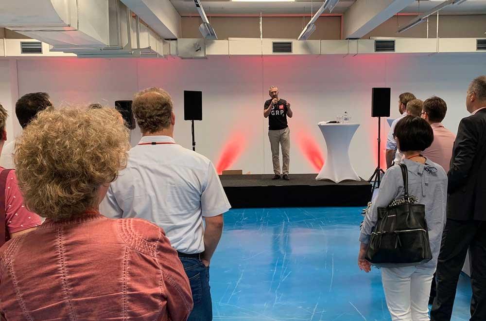Michael Born, Unternehmenskommunikation bei der Eröffnung